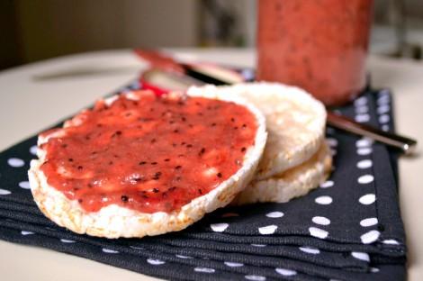 Strawberry Kiwi Chia Seed Jam (DSC_0981)