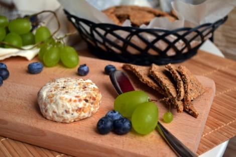 Cashew Cheese & Crackers (DSC_0680)