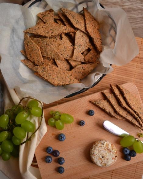 Cashew Cheese & Crackers (DSC_0681)