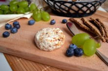 Cashew Cheese & Crackers (DSC_0684)