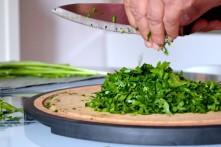 Chopped Fresh Parsley for Tabbouleh (DSC_0333)