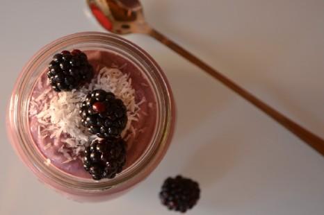 Creamy Raw Blackberry Buckwheat Porridge (DSC_0899)