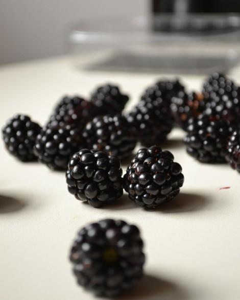 Fresh Blackberries (DSC_1066)