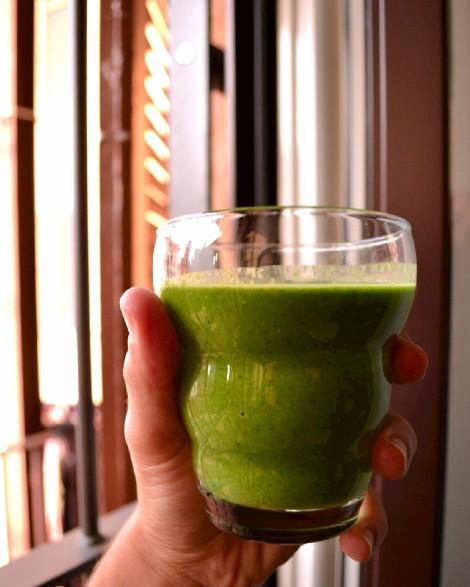 Kale Apple Smoothie (DSC_1041)