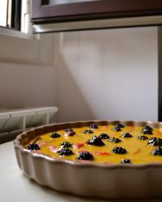 Saffron Custard Tart with Figs & Blackberries (DSC_1095)
