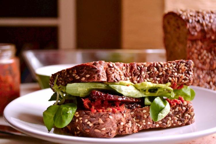 BBQ Tempeh Sandwich (DSC_1052)