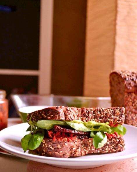 BBQ Tempeh Sandwich (DSC_1053)
