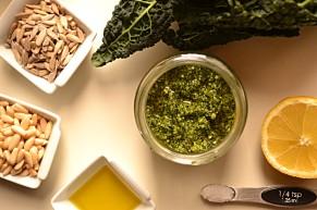 Tangy Tuscan Kale Pesto (DSC_0051)