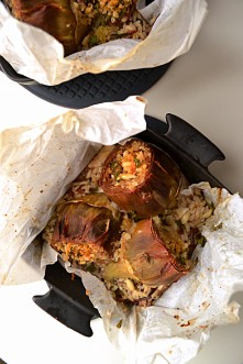 Baked Artichokes with Brown Rice & Spinach (CSC_0596)