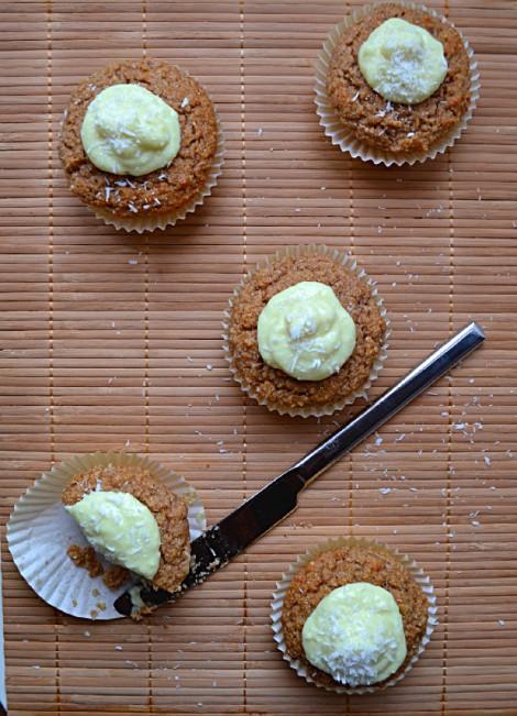 Lemon Coconut Curd & Cupcakes (DSC_0906)