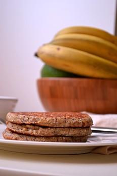 Banana Coconut Oatmeal Pancakes w Caramelized Bananas (DSC_0005)