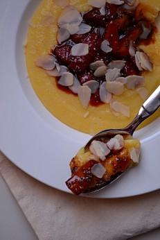 Creamy Breakfast Polenta w: Stewed Balsamic Strawberries(DSC_1202)