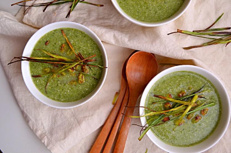 Leeks, Peas & Mache Soup (DSC_1251)
