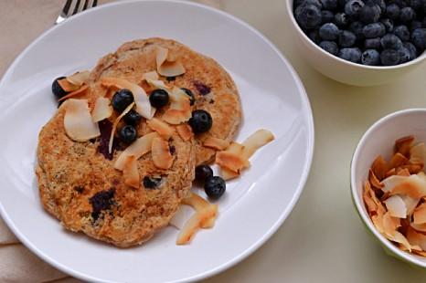 Lemon Blueberry Coconut Pancakes (DSC_0347)