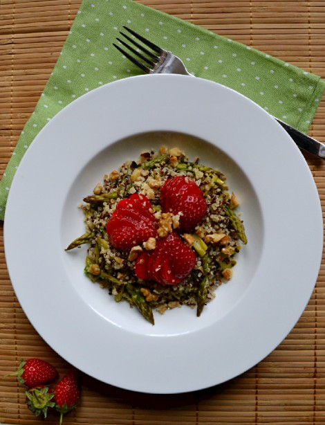 Quinoa, Asparagus & Strawberry Salad (DSC_0105)