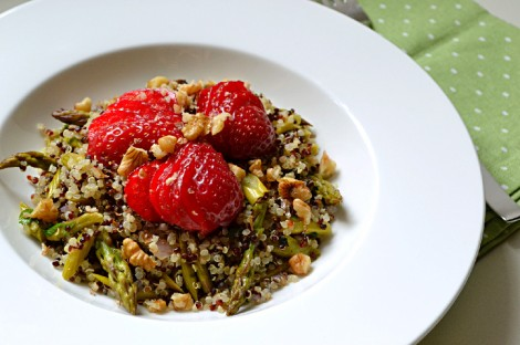 Quinoa, Asparagus & Strawberry Salad (DSC_0114)