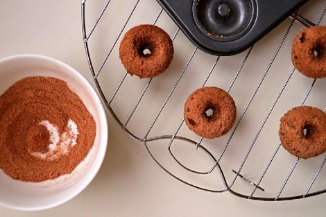 Buckwheat Cinnamon Coffee Cake Donuts (DSC_0411-2)
