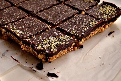 Cereal Bars w: Hemp, Flax, Chocolate (DSC_0535)